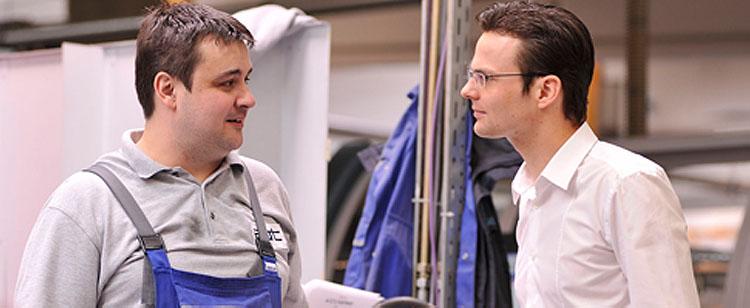 Mitarbeiter Produktion im Gespräch