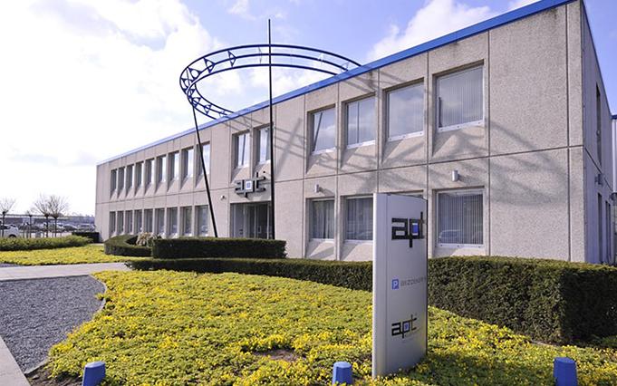 apt Unternehmensgebäude Außenansicht