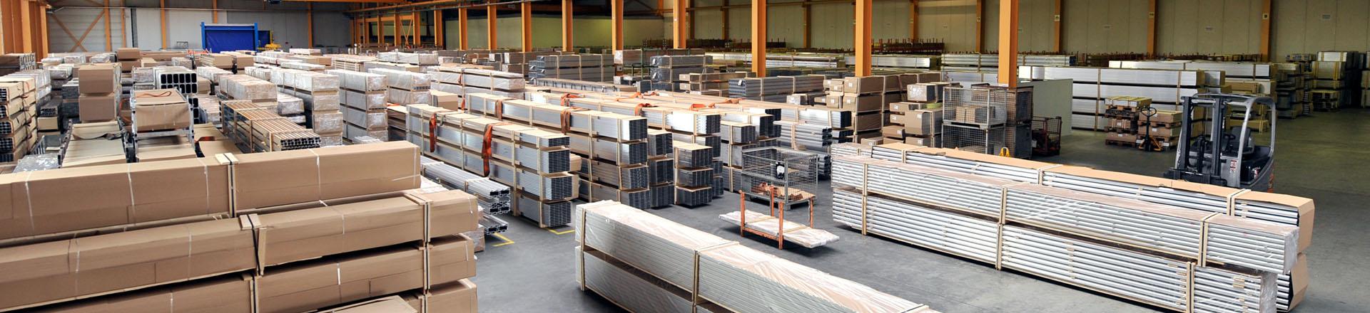 Lagerhalle Aluminiumteile